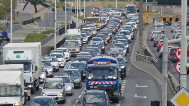 Zderzenie trzech aut na Wisłostradzie